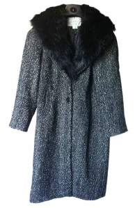 coat-with-fur-collar-web