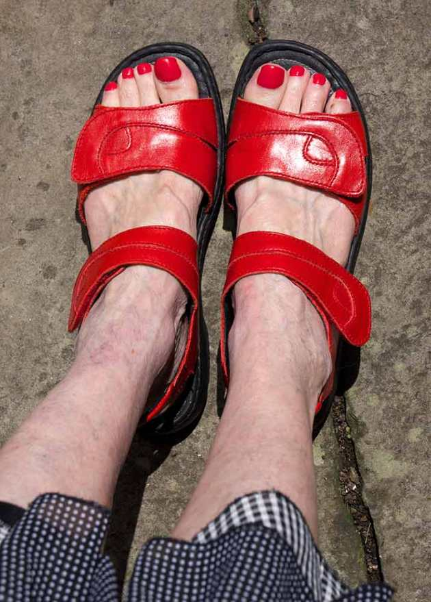 red-shoes-selfie-web